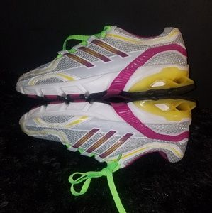 Adidas running shoes size 6.5y/8women
